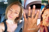 Agáta ukázala prsten s broušeným kamenem na levém prsteníčku! Nechci být rozvedená, tvrdí