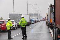 Hromadná nehoda u Kytína! D4 je zavřená, auta bourala v obou směrech