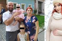 Lucinka (7) a Sofinka (1) přišly o maminku Dášu (†35): Statečná hasička podlehla nemoci