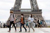 Francouzi napjatě čekají na Macrona: Oznámí celostátní karanténu a zavřené obchody?