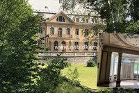 """Vila """"ústeckého Bati"""" je na prodej: Luxusní dům hostil zahraniční umělce, dnes láká jen zloděje"""