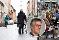 """Švédsko v problémech, padl i boj o kolektivní imunitu. Epidemiolog: """"Zhoršuje se to rychle"""""""