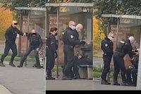 """Policista zfackoval muže (54) bez roušky: Stíhán nebude! """"Je to přestupek,"""" říká státní zástupce"""