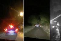 Mladý recidivista v obci ujížděl policistům rychlostí 150 km/h: Zastavila ho až střelba