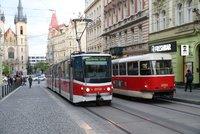 Pražská MHD: Lidé budou moci od pondělí opět nastupovat předními dveřmi do tramvají a autobusů