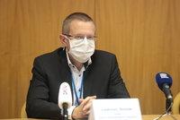 Tady respirátor raději ještě nesundávejte: Expert ukázal na čtyři nejhorší regiony v Česku