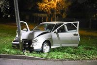 Sedla za volant zpitá, jak zákon káže! Řidička v Kyjích sejmula lampu, nadýchala dvě promile
