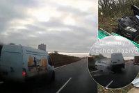 Děsivé video smrtelné nehody na D8: Srážku řidičky (†72) v protisměru zachytila kamera