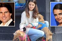 Dcera Toma Cruise Suri (14) krotila psy v ulicích New Yorku! Komu z rodičů je víc podobná?