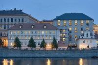 Hotely v Praze otevřely: Poptávka je vlažná, chybějí turisté. A mají dost zaměstnanců?