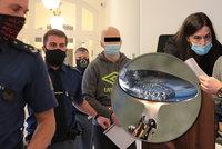 Krutý osud rodiny zavražděné ženy z Modřan: Ochrnutý manžel skončil v ústavu, syn v dětském domově!