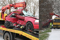 Tragická nehoda u Kostelce nad Černými lesy: Dvě mrtvé ženy (†51 a †18) a dva zranění po smyku na kluzké vozovce!