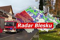 Vichr v Česku lámal stromy, lidé bez proudu. Vrátí se sníh, sledujte radar Blesku