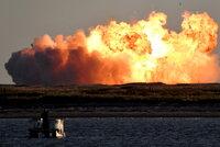Muskovu raketu na Mars zachvátily obří plameny. Prototyp se roztrhl při přistání