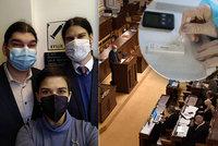 Testy na covid ve Sněmovně: Zdarma testují i poslance, kolik nakažených odhalili?