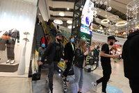 Otevření obchodů 22. února: Vládní rada kývla, Havlíček zmínil podmínku, Hamáček chce čísla