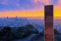 Kdo nám tu loupe perníček? V San Francisku se objevil jedlý monolit, lidé ho okusovali