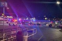 Střelba na bowlingu: Útočník náhodně pálil do lidí, tři zabil. Další jsou zranění