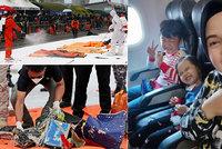 Srdcervoucí foto z letadla smrti: Maminka se vyfotila s dětmi těsně před tím, než se všichni zřítili do moře