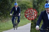 """Britové sedí doma """"pod zámkem"""", premiér brázdí ulice Londýna na kole. Johnsona se zastali kolegové"""