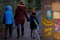 Dvě brambory, fazole, pět jablek: Jídlo pro chudé školáky na 10 dní pobouřilo Brity