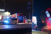 Smrtelná nehoda u Chrášťan: Řidiče zabil jeho vlastní kamion