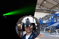 Muž na Mladoboleslavsku oslňoval piloty laserem: Hrozí mu osm let vězení