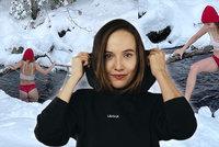 Rozjetá Tereza Ramba skočila do ledového jezírka: Bradavky v bílém tílku a červené kalhotky!