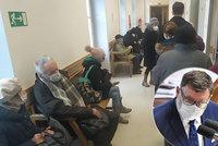 ŽIVĚ Opozice šije do problémů s očkováním v ČR: Přeplněné čekárny, vláda selhává a lže