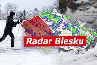 Bláznivý víkend: Až 10 °C a hrozba záplav, pak sněžení s vichrem. Sledujte radar Blesku