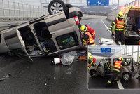 Drsná nehoda v Třinci: Při střetu dvou aut se zranilo pět lidí