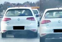 Šokující video: Hazard v Běchovicích! Řidič vezl dítě nepřipoutané, leželo za zadním sklem