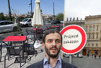 Praha chce zakázat průjezd centrem. Tranzitní doprava patří na okruh, říká náměstek na kritiku