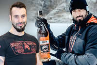 Václav Noid Bárta hlásí: Čtyři roky jsem čistý! Alkohol nepije, ale oslavoval s rumem v ruce