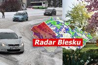 Česko bičuje bouře Ulli: Vichr lámal stromy, přidal se sníh, sledujte radar Blesku