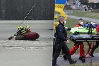 Po neštěstí v Žamberku zemřel jeden z chlapců: Hrdina se marně snažil držet děti nad vodou