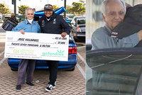 Učitel ztratil práci a bydlel v autě: Pomohl mu bývalý student, vybral pro něj víc než půl milionu