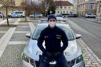 Policista Petr odřízl oběšence: Tatínek se probral z umělého spánku a je bez následků, děkuje dojatý syn