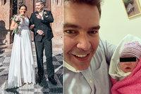 """Další """"koroňátko"""" je na světě: Moderátor Evropy 2 má měsíc po svatbě dceru s pohádkovým jménem!"""