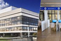 Očkovací centrum na Vyšehradě: Pracuje v něm 40 lidí, na očkované dohlíží záchranáři. Jak se zatím osvědčilo?