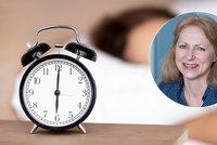 Vadí vám změna času? Odbornice popsala, co o škodlivosti na naše zdraví ukázala data!