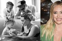 Moderní Popelka Hilary Duffová je trojnásobnou matkou! Intimní foto z domácího porodu