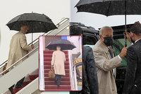 Zase ty schody! Biden měl cestou do Air Force One opět potíže, tentokrát škobrtnutí ustál