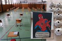 Učitelé měli krušný víkend, řešili zádrhel u testů. Ředitelka varuje: Pro děti jsou těžké