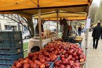 Kontroly na farmářských trzích v Praze: Jakých hříchů se dopouštějí nejčastěji?