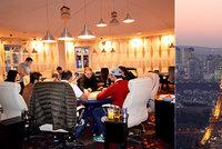 Poker a masáže ve čtyřech patrech. Nelegální kasino v apartmánu fungovalo navzdory restrikcím