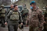 Prezident zamířil na frontu mezi vojáky v zákopech: Falešné zprávy o útoku na Donbas