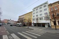 Baťův dům Praha 10 prodávat nebude: Radnice ho přenechá magistrátu, opozice se bouří