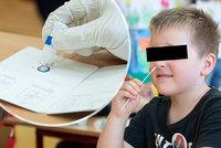 Testování žáků v pražských školách: Z 36 tisíc dětí bylo pozitivních jen 15. Jak je to možné?