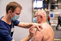 Plné očkování má jen třetina Čechů, v EU jsme na 17. místě. Nejlépe si vede Malta